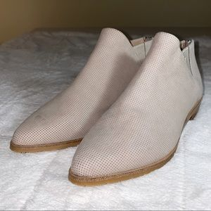 GENTLE SOULS by Kenneth Cole Blyss Chelsea Boots